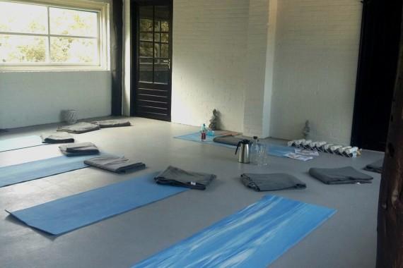 Yoga @ Zen Zone Camping de Lakens2.jpg