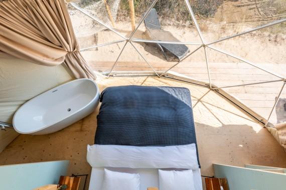 Beachdome slaapkamer boven.jpg