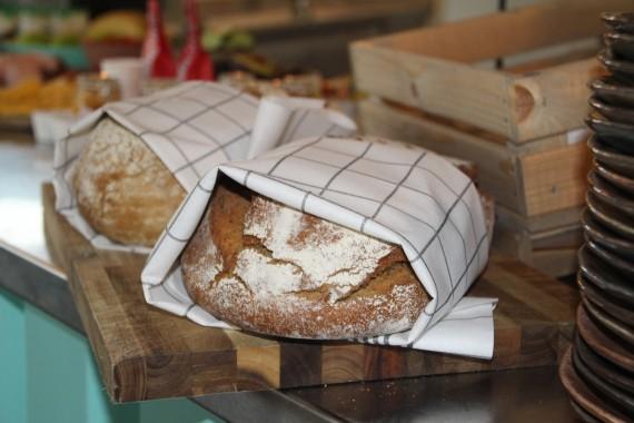Gestrand_ontbijt_brood